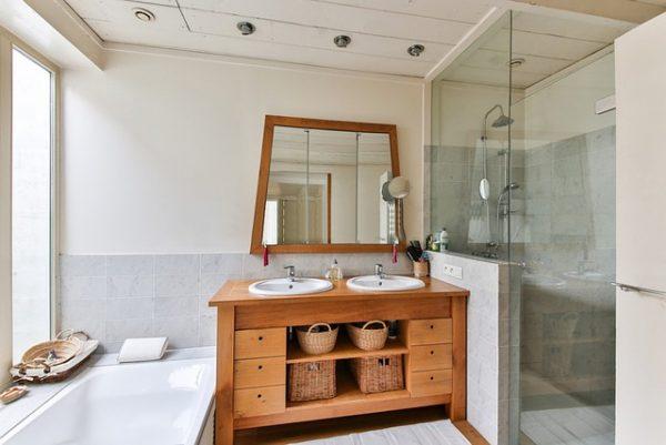 Guide pour acheter la douche d'angle
