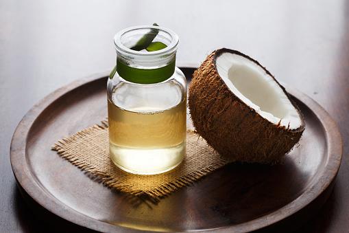 Huile de noix de coco pour la fabrication de savon artisanal